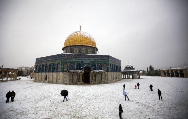 #المسجد_الأقصى في #القدس #فلسطين مغطى بالثلوج