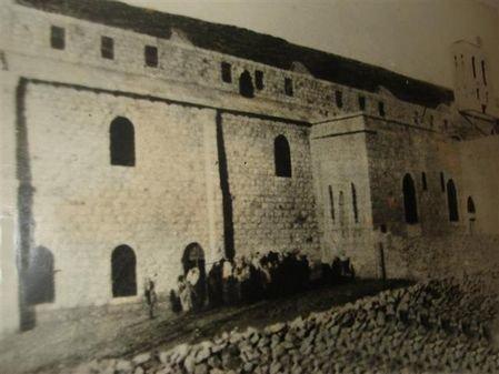 صورة #قديمة لكنيسة اللاتين في #الفحيص #الأردن