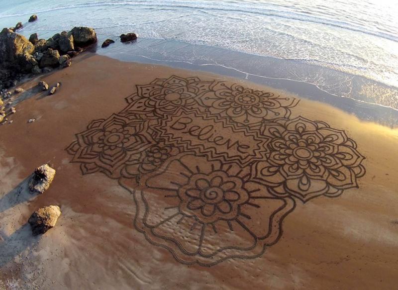 Andre Amador Beach Art