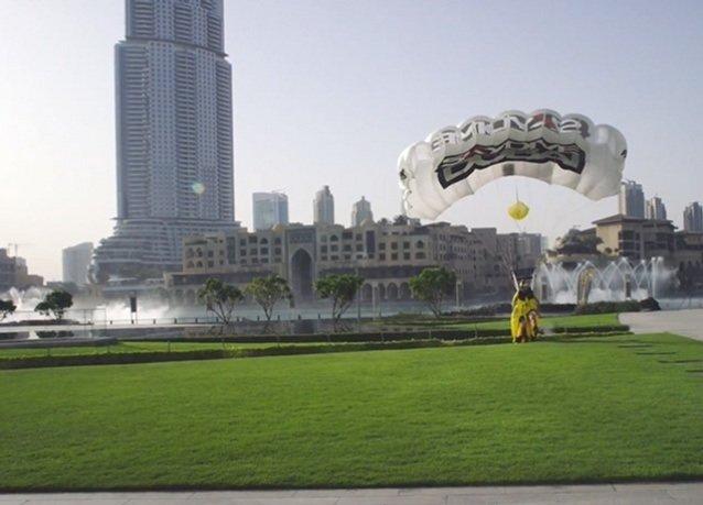 قفزة سكاي دايف دبي من فوق برج خليفة
