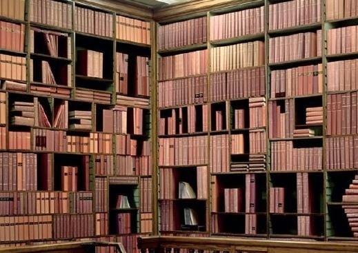 الكتابة من خلال ترتيب الكتب - مبدع -