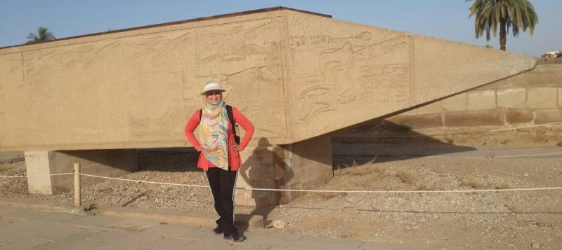 لحظة اكتشافي لمسلة حتشبسوت في معبد الكرنك #مصر_في_صور