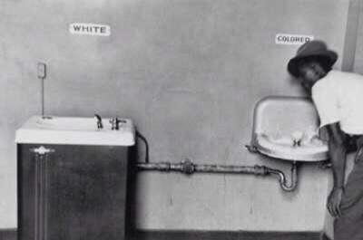 معنى العنصرية في أمريكا