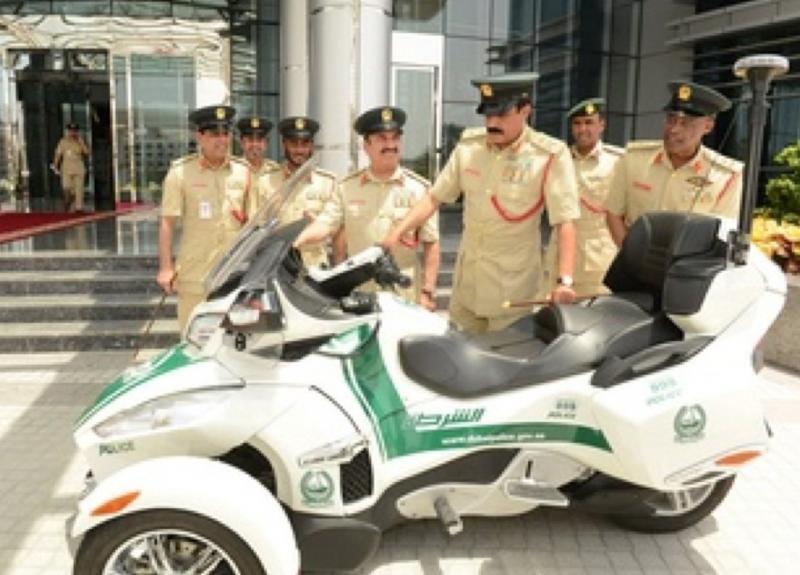 شرطة #دبي تضيف الدراجات الفارهة لدورياتها