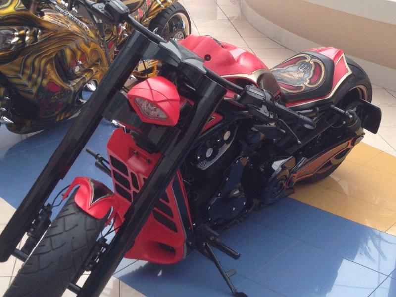 دراجات نارية بتصاميم مبتكرة في المارينا مول #أبوظبي صورة 5
