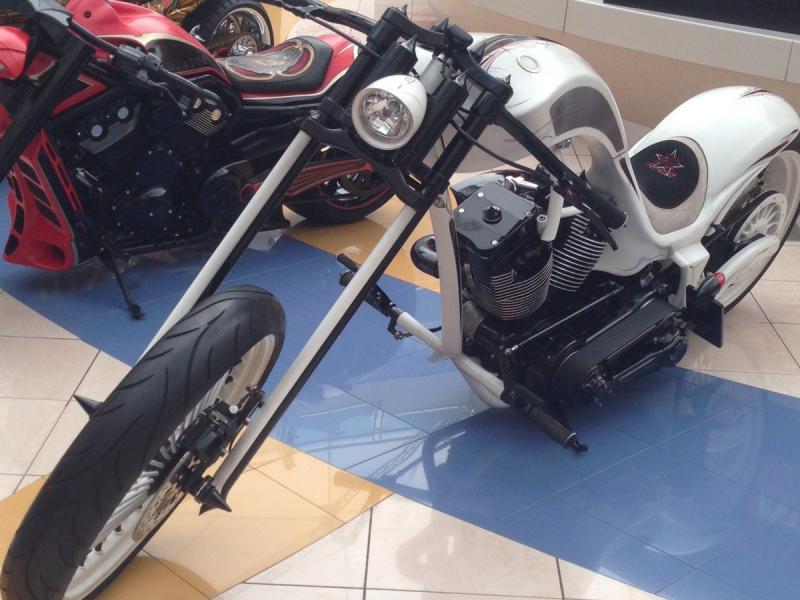دراجات نارية بتصاميم مبتكرة في المارينا مول #أبوظبي صورة 4