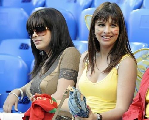 مشجعات كرة قدم #كأس_العالم