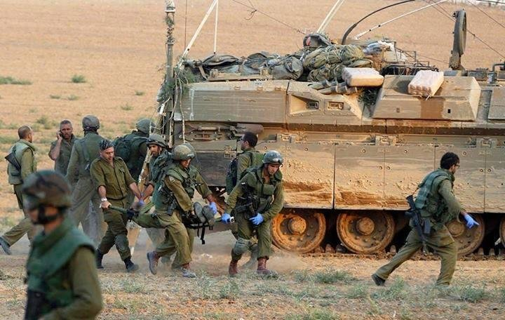 اخلاء المصابين من الجنود الصهاينة #غزة_تحت_القصف
