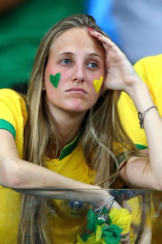 مشجعات البرازيل بعد الخسارة من المانيا #كأس_العالم