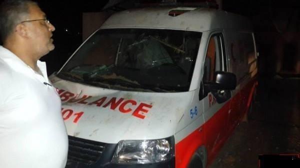 سيارة اسعاف لا تنجو من القصف الاسرائيلي #غزة_تحت_القصف