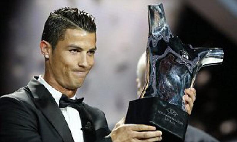 كريستيانو رونالدو يفوز بجائزة أفضل لاعب في اوروبا