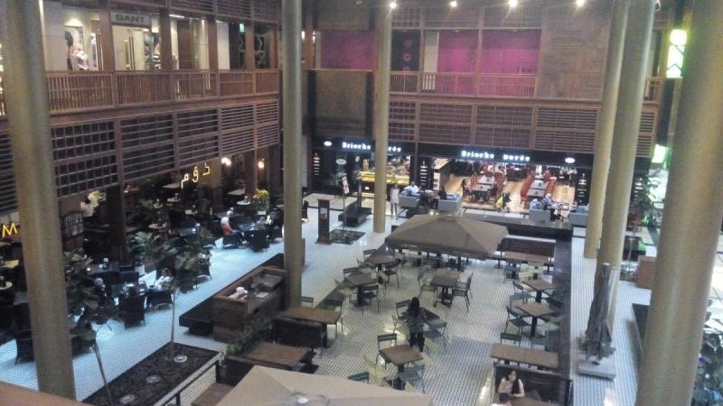 منطقة المقاهي في السوق المركزي في #أبوظبي #wtcad