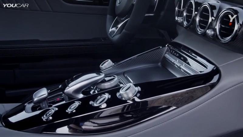 مرسيدس AMG GT موديل 2015 من الداخل 2