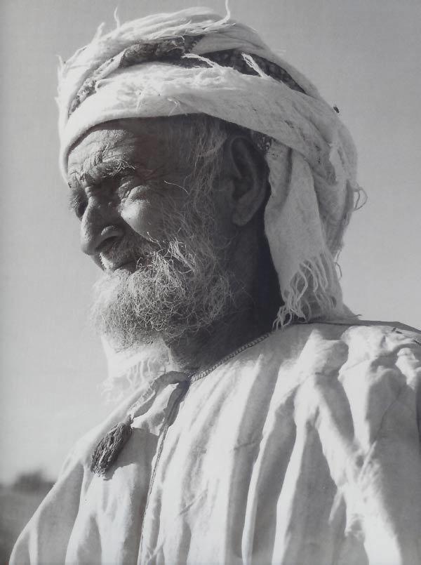 الشيخ حمد المزروعي، شيخ قبيلة المزاريع التي تعيش سهول جري التابعة لرأس الخيمة