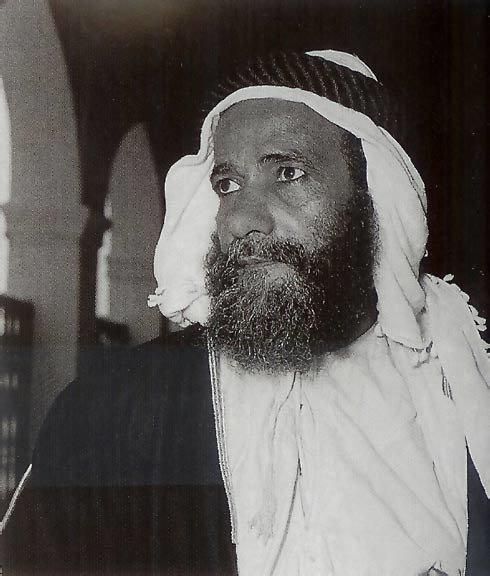 الشيخ محمد بن حمد الشرقي ولد الشيخ محمد في العام 1908 وتولى حكم الفجيرة عام 1952 حتى أنتقاله إلى رحمة الله في عام 1975 الصورة في أوائل الخمسينات