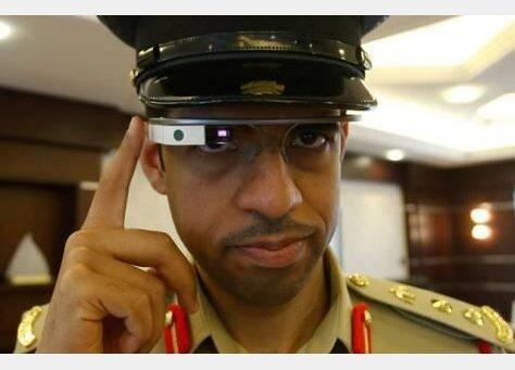شرطة كوكب #دبي تبدأ باستخدام نظارات #جوجل الذكية