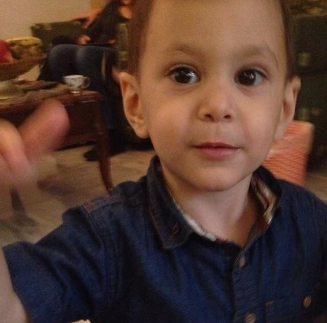 صورة الطفل عز الدين العويوي الذي توفي تتيجة تسمم غذائي في فندق الهوليداي ان البحر الميت #ماكل_شارب_ميت