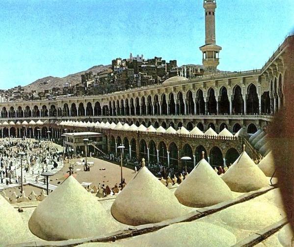 هذا الحرم المكي الشريف سنة 1397هـ ، 1977م ويظهر الرواق العثماني #صور_#قديمة_من_الحرمين