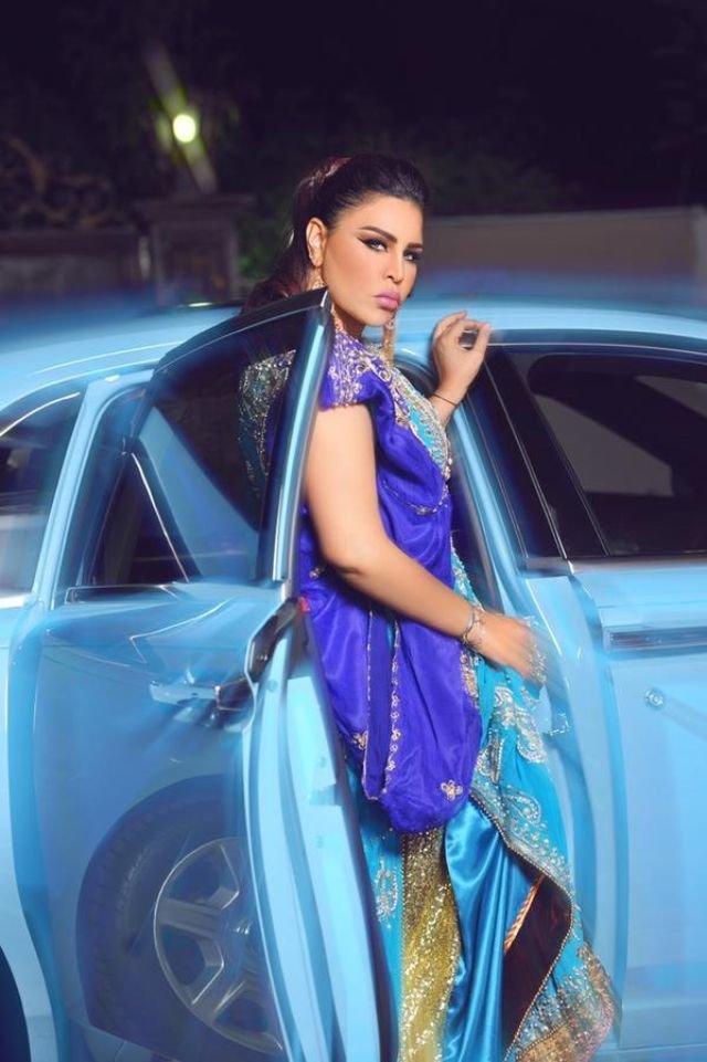 #احلام بفستان تركوازي وسيارة ملكية #Ahlam_Alshamsi #اراب_ايدول #ارب_ايدول #ArabIdol