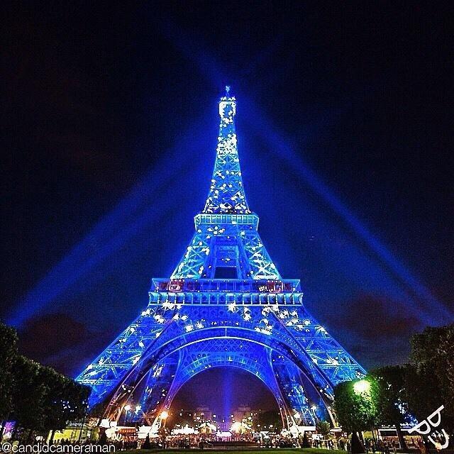 برج إيفل ليلا #باريس