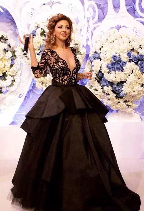 #ميريام_فارس تحيي حفل زفاف في مصر بفستان أسود رائع #مشاهير - صورة ١