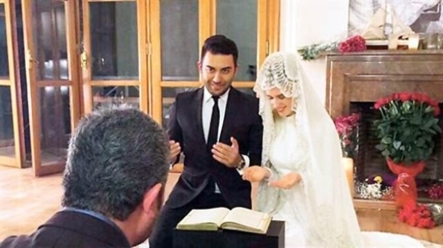 """#كارولين \""""#على_مر_الزمان\"""" ترتدي الحجاب في حفل زفافها وتشهر إسلامها#مشاهير"""