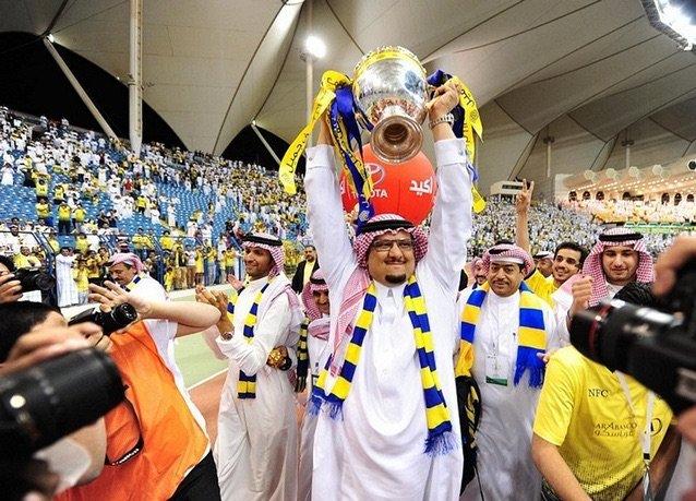 بانوراما صور #السعودية لعام ٢٠١٤ - رئيس نادي النصر يحتفل بالفوز بالدوري