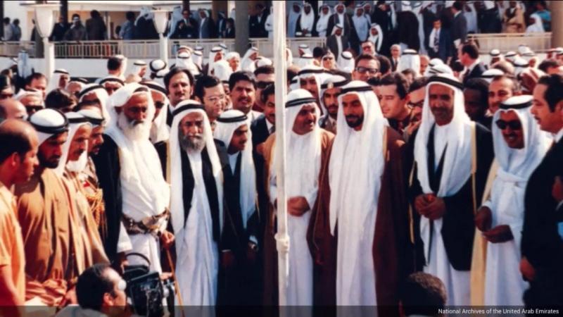 صور نادرة ليوم توقيع اتفاقية الاتحاد في الإمارات - صورة ١٠-