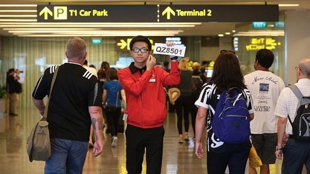 صورة:حالة ترقب وحزن في المطار #الطائرة_الماليزية #الطائرة_الماليزيه_المفقوده