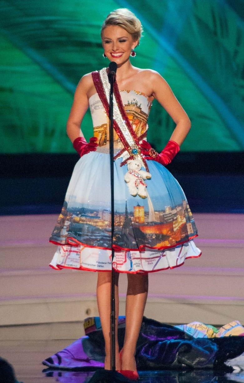 ملكات جمال الكون 2015 بملابس غريبة - ملكة جمال ألمانيا Josefin Donat