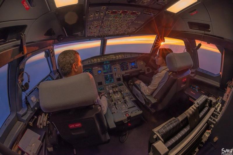 صور أخذت من داخل مقصورة الطائرة - صورة ٢٦