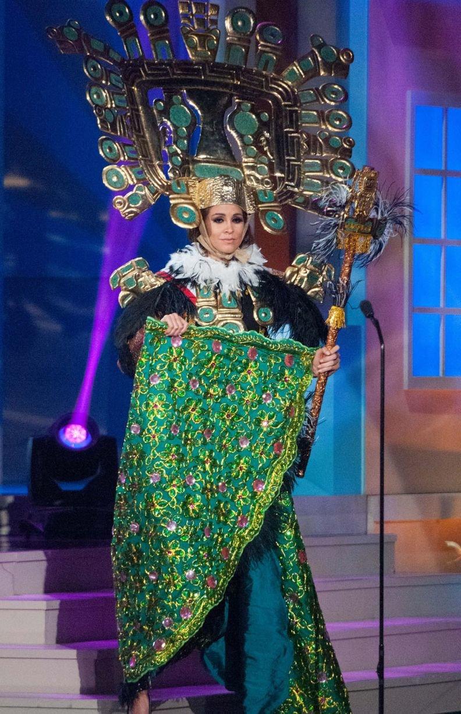 ملكات جمال الكون 2015 بملابس غريبة - ملكة جمال البيرو