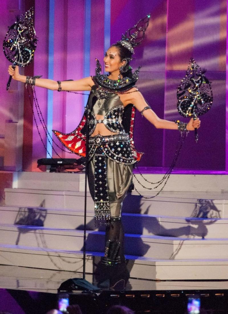 ملكات جمال الكون 2015 بملابس غريبة - ملكة جمال تايلند Pimbongkod Chankaew