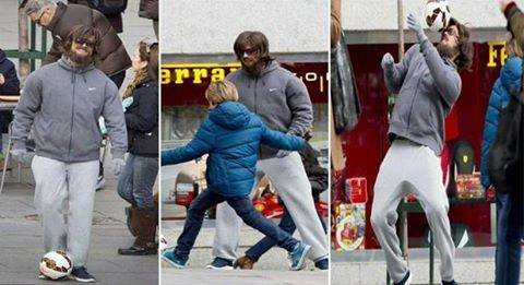 #كريستيانو_رونالدو يتنكر و يفاجئ الجماهير بعد ما كان متخفيا بقناع رجل مسن فقير #ريال_مدريد #كوره
