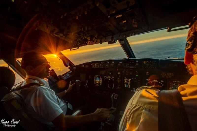 صور أخذت من داخل مقصورة الطائرة - صورة ٢٧