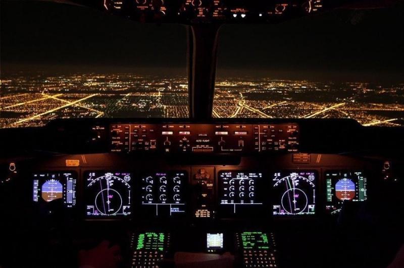 صور أخذت من داخل مقصورة الطائرة - صورة ٢٨