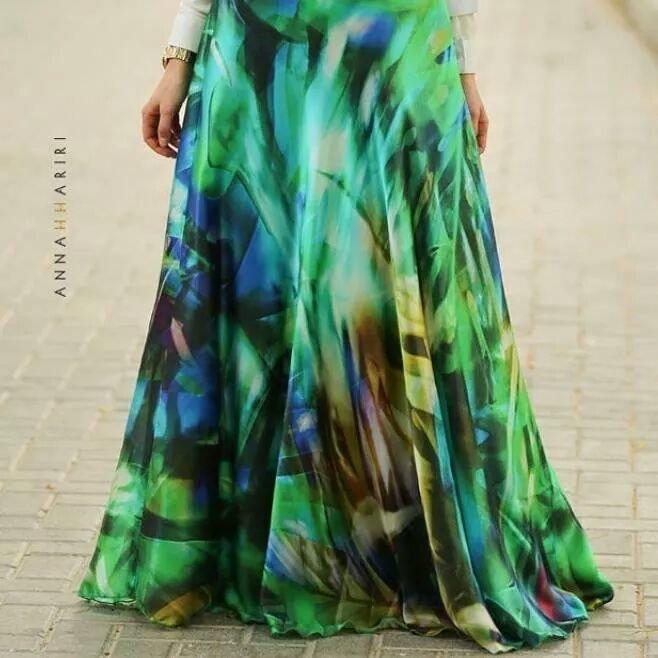 تنورة ملونة طويلة - صور ملابس #محجبات #فساتين