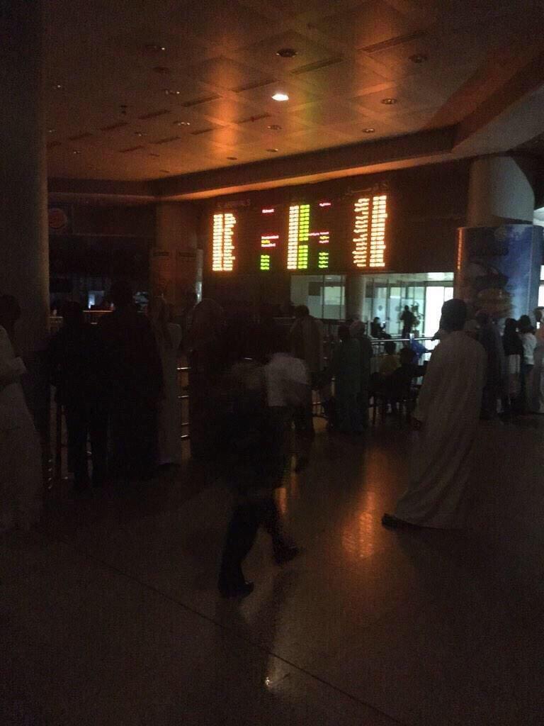 صورة متداولة لمطار الكويت الدولي الآن #الكويت #انقطاع_الكهرباء_بالكويت #انقطاع_الكهرباء