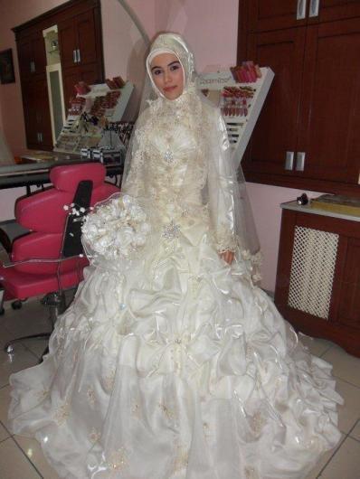 احدث موضة #صور #فساتين #زفاف #للمحجبات 2015 صوره رقم28