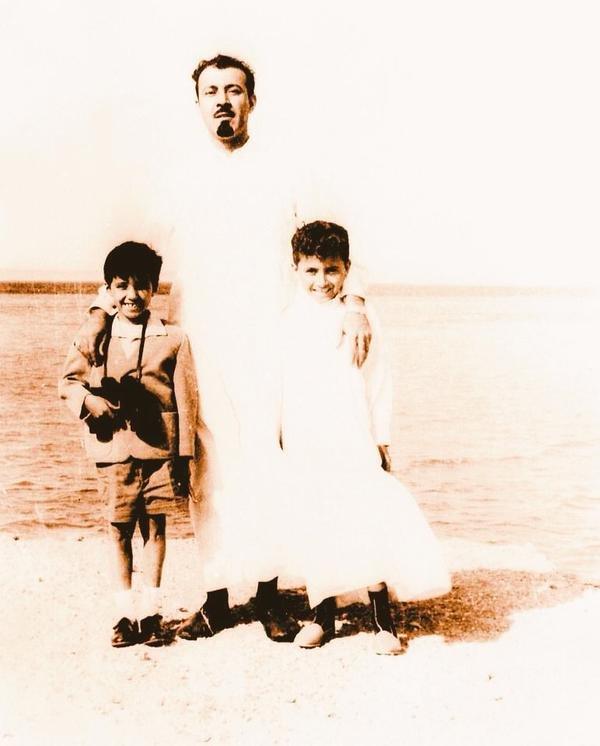 صوره نادره لـ#الملك_عبدالله ( رحمه الله ) وإبنيه الأميرين خالد و متعب #صورة_مؤثرة #صور_#قديمة_لزمن_جميل #مشاهير