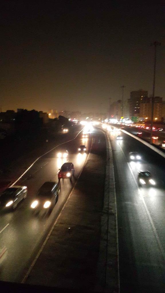 """#الكويت الآن تعيش في ظلام دامس بسبب تعطل المحطة الرئيسية لتغذية البلد #انقطاع_الكهرباء_بالكويت """""""