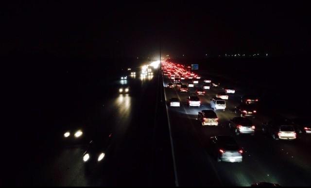 صورة متداولة لشوارع الكويت الآن #الكويت #انقطاع_الكهرباء_بالكويت #انقطاع_الكهرباء