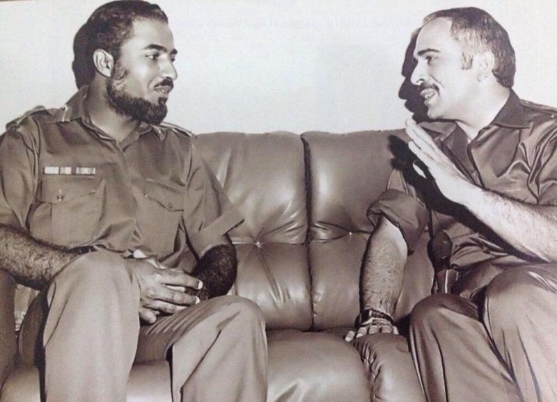 صورة نادرة تجمع جلالة الملك الحسين رحمه الله وجلالة السلطان قابوس