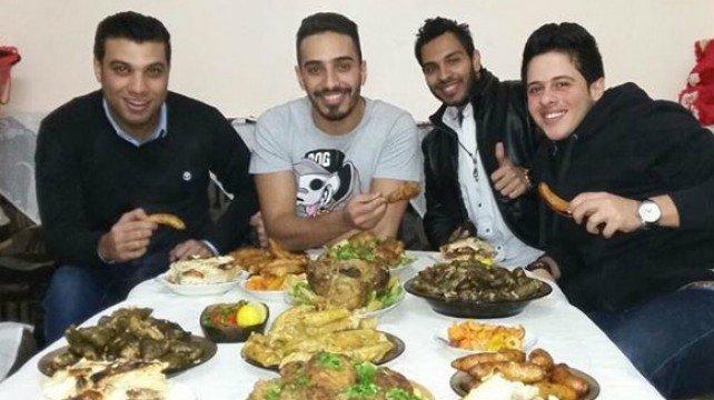 #ليث_أبو _جودة بأجمل جمعة على الغداء مع الاصدقاء بمنزل #محمد_حسين #LaithAbuJoda