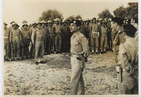 الملك ال#الحسين_بن_طلال 1967 في إحدى وحدات الجيش العربي #الأردني#الاردن #غرد_بصوره