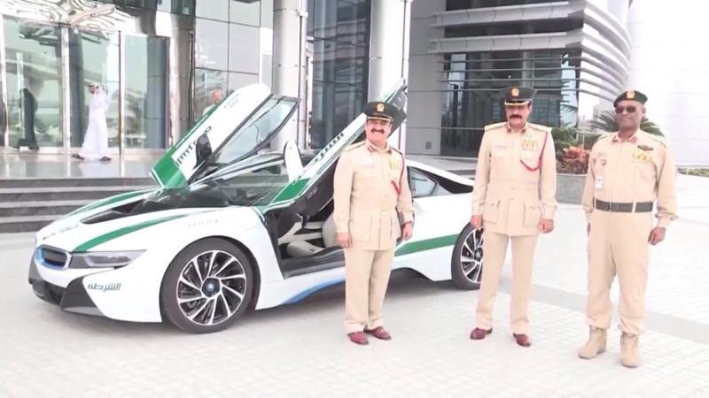 BMW I8 تنظم لاسطول سيارات شرطة #دبي - صورة ٤