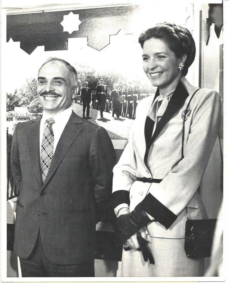 صوره_#قديمه الملك ال#الحسين_بن_طلال والملكة نور الحسين في زيارة الى1980 #واشنطن #الاردن #غرد_بصوره
