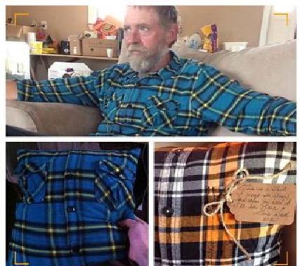 #حب_عطاء_احترام_وفاء قبل وفاته من #السرطان، صنع من قميصه وسادة لأبناءه وكتب: اعتدت ان البس هذا القميص، ماإن تتوسد عليه سأكون بجانبك. أحبكم#غرد_بصوره