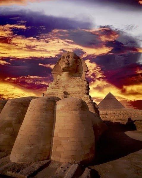 أهرامات الجيزة وأبوالهول في #مصر - صورة ٧