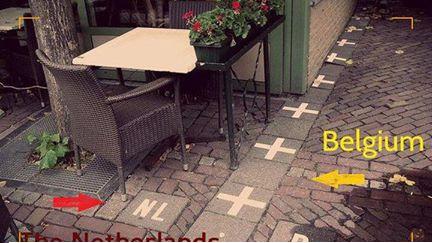 الحدود بين بلجيكا وهولندا تخيل بين دولة ودولة قطعة سيراميك...!